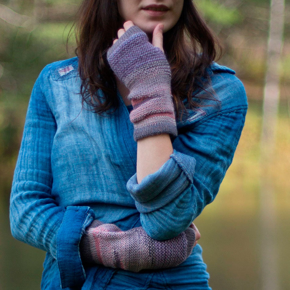 Luxurious Alpaca Fingerless Gloves - Berry, Peru