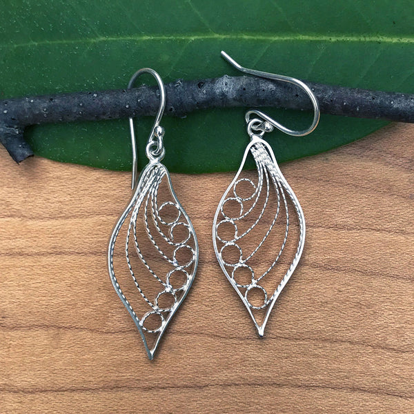 Fair trade sterling silver filigree earrings handmade by women in Peru