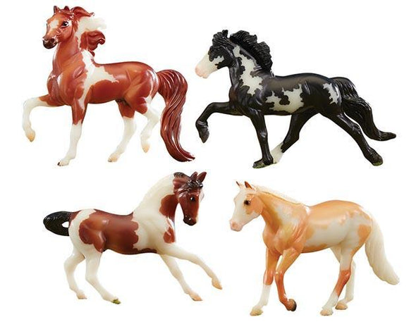 Breyer STABLEMATES GLOW IN THE DARK 4-HORSE SET