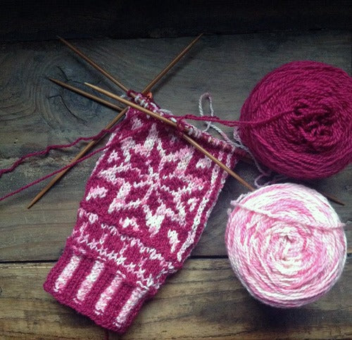 finished object friday: snowflower mittens