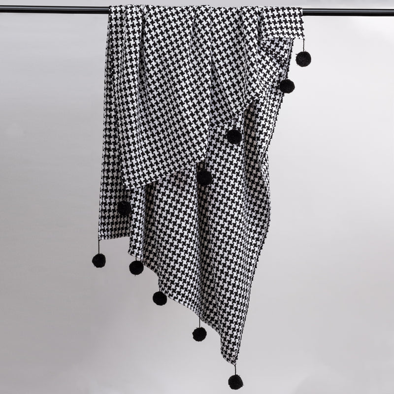 Houndstooth B&W Throw