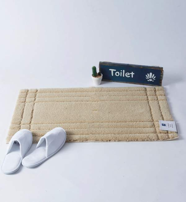 Plush Hatch Bathmat
