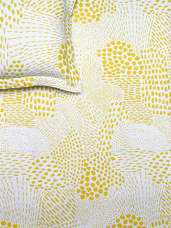 Camouflage Reversible Yellow Bedspread Set