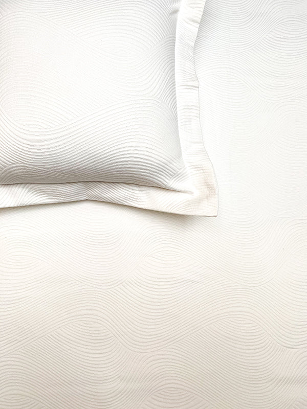 Wave White Bedspread Set