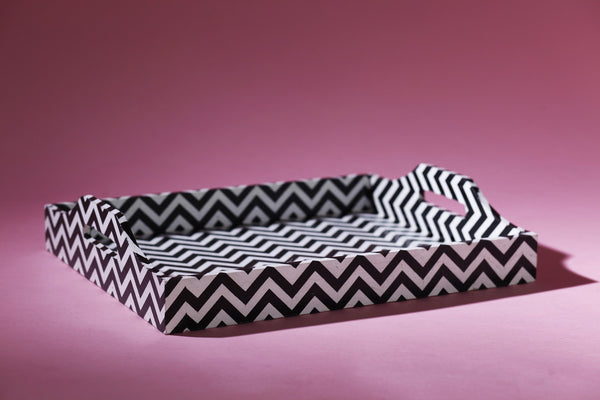 SERVING TRAY B/W CHEVRON