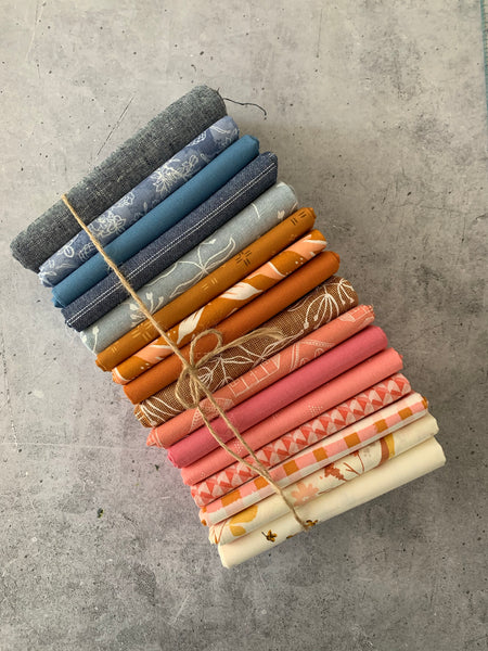 Curated fat quarter bundle 'Apple Crisp'- 16 Fat Quarters (Art Gallery Fabrics, Andover, Bella)