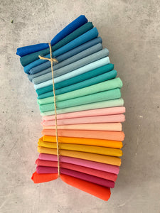 Curated Fat Quarter Bundle- 'Ombre rainbow Puff Quilt bundle' 23 Fat Quarters (Devonstone, Kona and Bella solids)