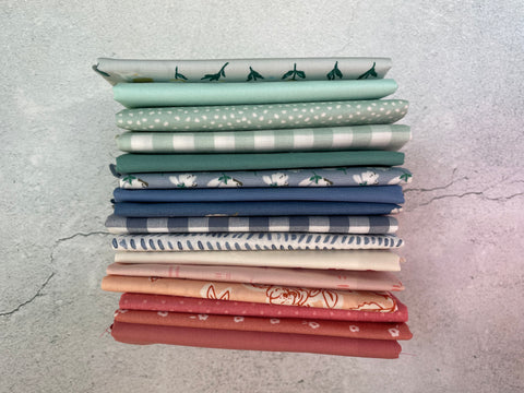 Curated fat quarter bundle 'Jindabyne March'- 16 Fat Quarters (Art Gallery Fabrics, Robert Kaufman, Bella)