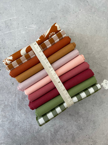 Curated fat quarter bundle 'Roast Vegetables' - 10 Fat Quarters (Art Gallery Fabrics, Robert Kaufman, Bella)
