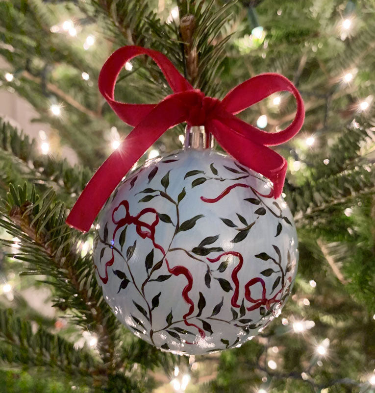 2019 Ornament: Bow and Vine on Blue