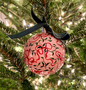 2019 Ornament: Bows and Vines on Pink