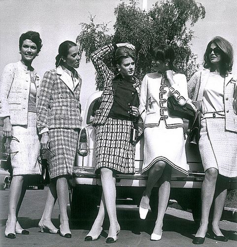 Models in Chanel suits, 1967