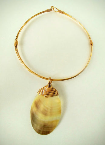 Sea Shell Medallion Choker Necklace Wrapped In Gold Wire
