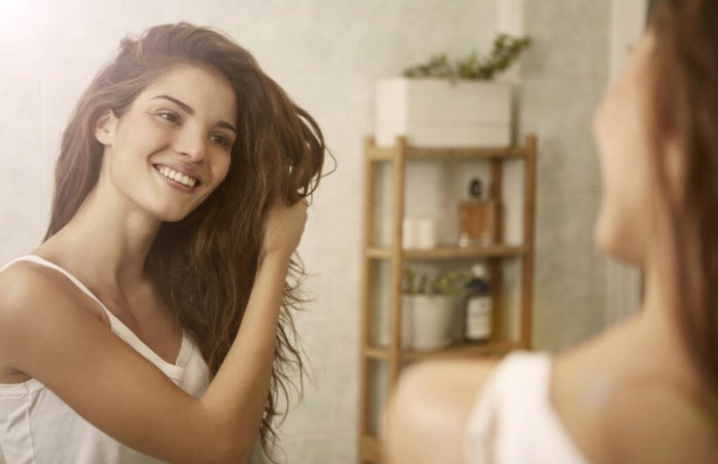 7 Natural Ways to Nourish Your Hair
