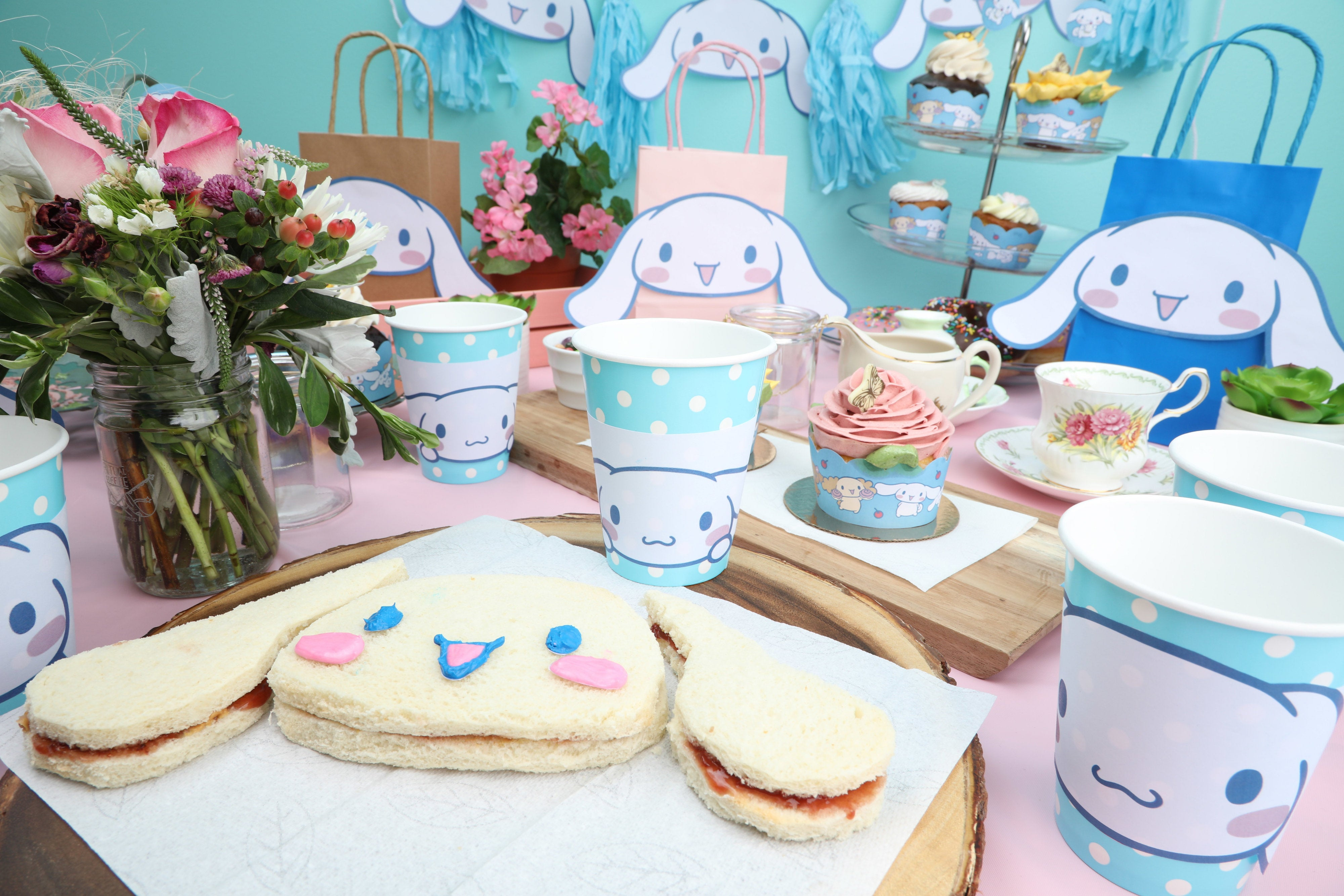 Tea Party With Cinnamoroll