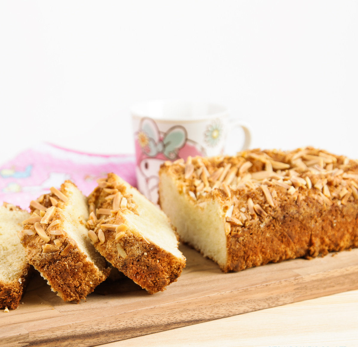Yummy Almond Pound Cake