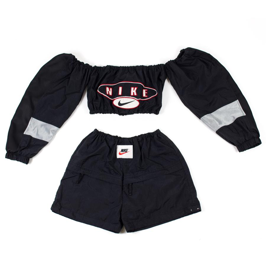 Off the shoulder Nike Play-Set