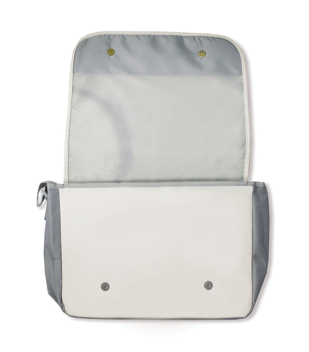messenger bag that looks like a baseball