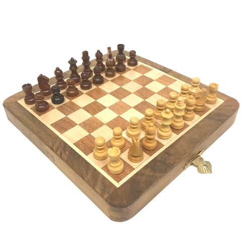 "7"" x 3.5"" Magnetic Folding Chess Set"