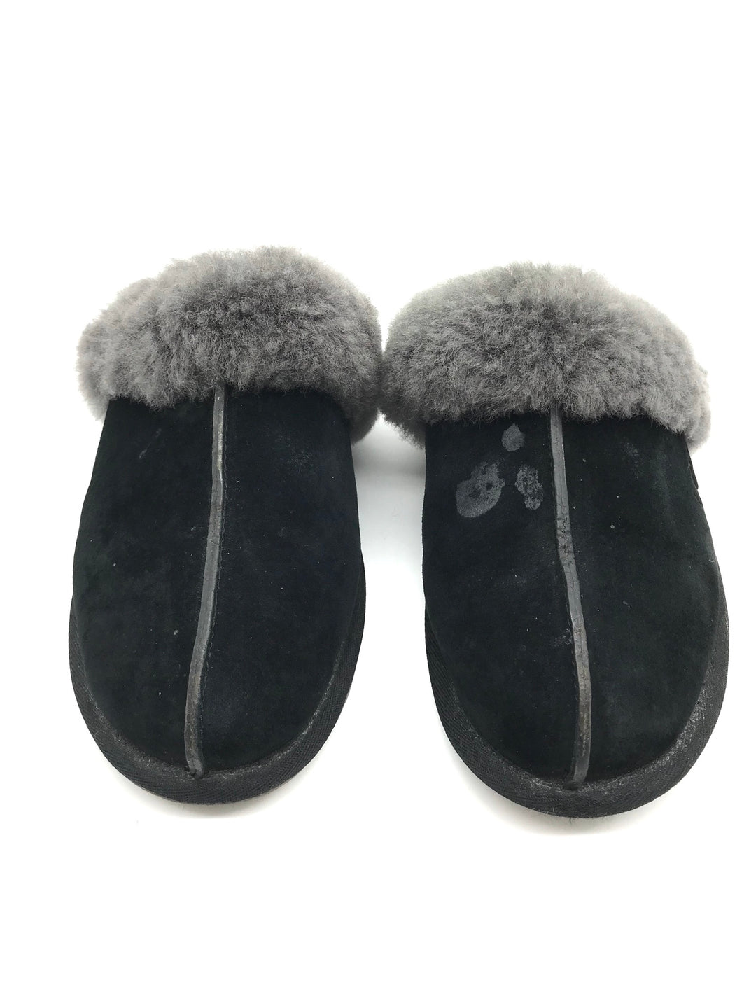 Primary Photo - BRAND: UGG <BR>STYLE: SHOES FLATS <BR>COLOR: BLACK <BR>SIZE: 9 <BR>SKU: 262-26275-65488<BR>MARKS AND WEAR SHOWS - AS IS