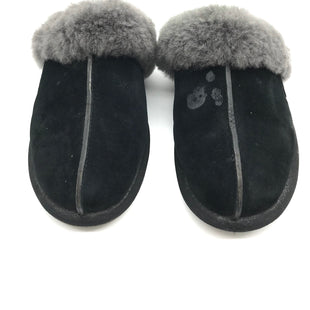Primary Photo - BRAND: UGG STYLE: SHOES FLATS COLOR: BLACK SIZE: 9 SKU: 262-26275-65488MARKS AND WEAR SHOWS - AS IS