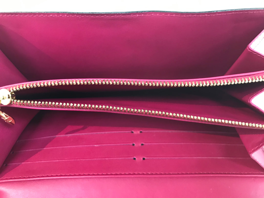 Photo #1 - BRAND: LOUIS VUITTON <BR>STYLE: VERNIS SARAH WALLET<BR>COLOR: PINK <BR>SIZE: LARGE <BR>SKU: 262-26275-61921<BR>IN GREAT CONDITION <BR>DESIGNER BRAND-FINAL SALE
