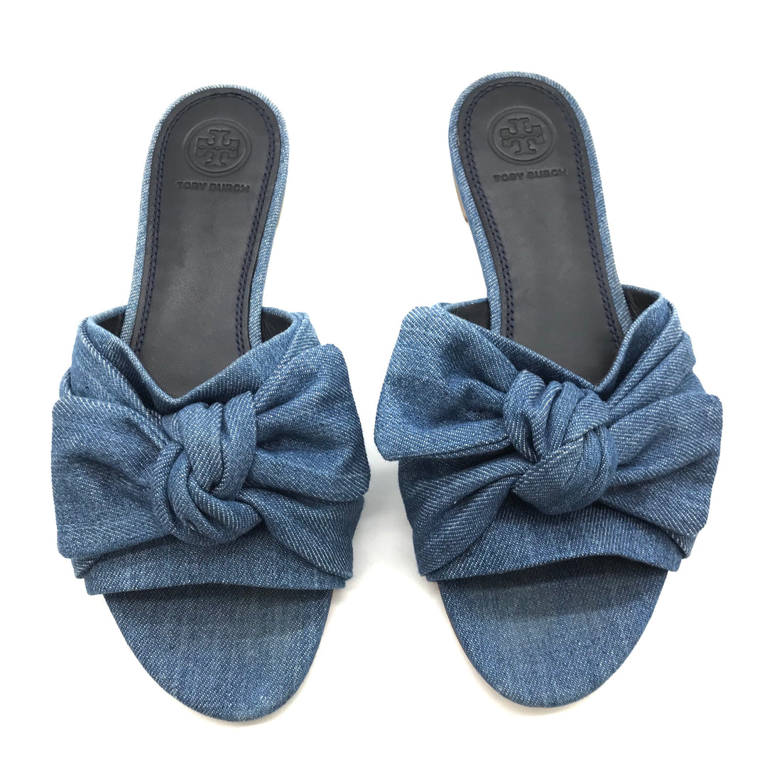 Primary Photo - BRAND: TORY BURCH <BR>STYLE: SANDALS FLAT <BR>COLOR: DENIM <BR>SIZE: 7 <BR>OTHER INFO: AS IS <BR>SKU: 262-26241-34652<BR><BR>ANNABELLE DENIM BOW FLAT. PRICE REFLECTS SOME SLIGHT WEAR TO TOES SHOWN, GOOD OVERALL CONDITION.