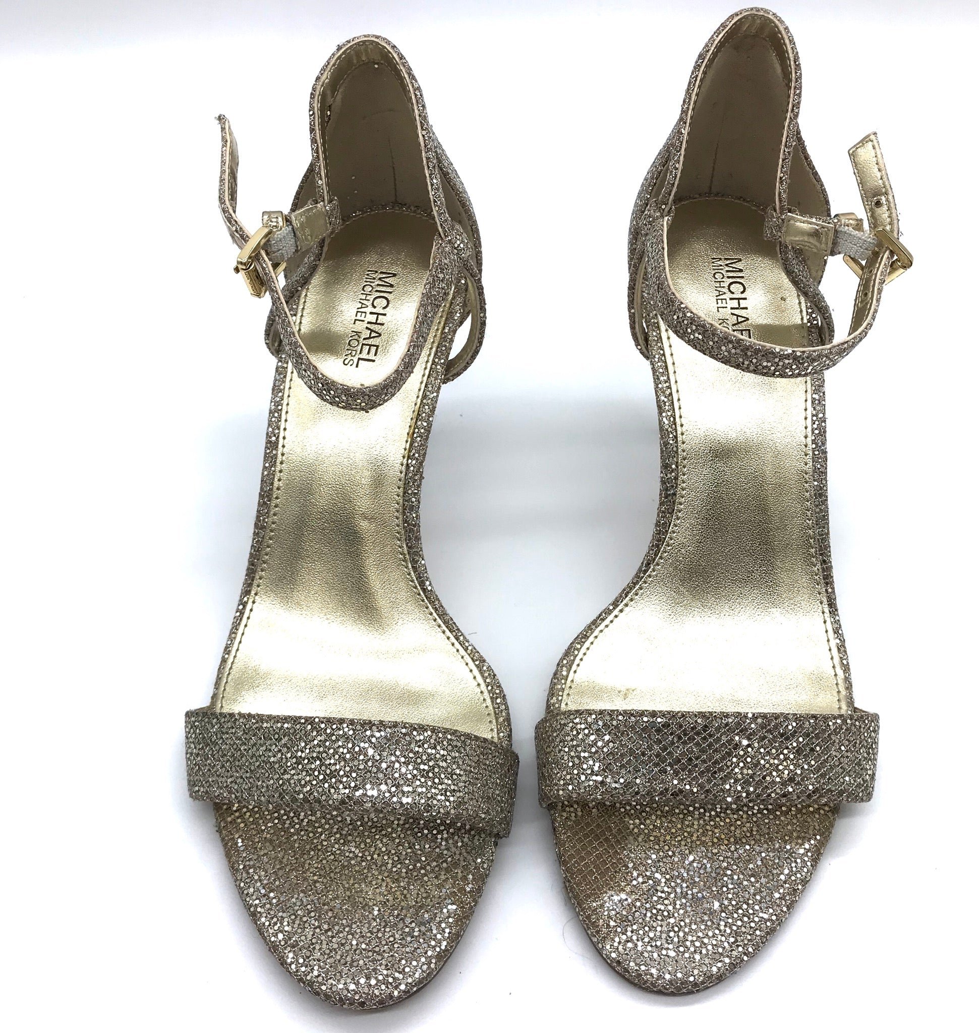 Primary Photo - BRAND: MICHAEL KORS <BR>STYLE: SANDALS LOW <BR>COLOR: GOLD <BR>SIZE: 7 <BR>SKU: 262-26275-67562<BR><BR>GOOD CONDITION BUT ONE SLIGHT TOE PRINT TO METALLIC PORTION OF LEFT SHOE