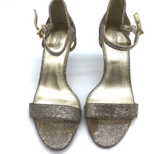 Primary Photo - BRAND: MICHAEL KORS STYLE: SANDALS LOW COLOR: GOLD SIZE: 7 SKU: 262-26275-67562GOOD CONDITION BUT ONE SLIGHT TOE PRINT TO METALLIC PORTION OF LEFT SHOE