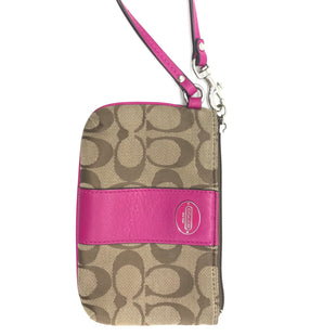 Primary Photo - BRAND: COACH STYLE: WRISTLET COLOR: MONOGRAM SKU: 262-262100-153GENTLE WEAR AS IS - OVERALL IN GOOD CONDITION DESIGNER BRAND - FINAL SALE