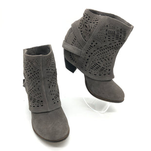Primary Photo - BRAND: NAUGHTY MONKEY STYLE: BOOTS ANKLE COLOR: GREY SIZE: 6 SKU: 262-26275-76270IN GOOD SHAPE AND CONDITION