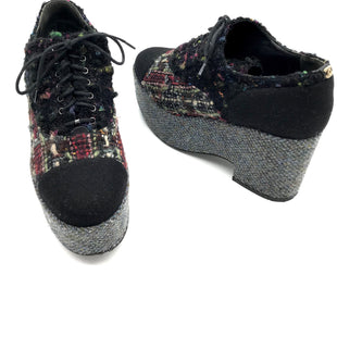 Primary Photo - BRAND: CHANEL STYLE: 15K MULTICOLOR BLACK TWEED CC PLATFORM LACE UP OXFORDCOLOR: MULTI SIZE: 7.5 | 38SKU: 262-26211-140423GENTLE WEAR SHOWS; RIGHT HEEL CC LOGO IS MISSING; OVERALL THE SHOES IS IN GREAT SHAPE AND CONDITION, WELL LOVED BY THE PREVIOUS OWNER. THIS ITEM DOES NOT COME WITH ORIGINAL BOX AND DUST BAG.
