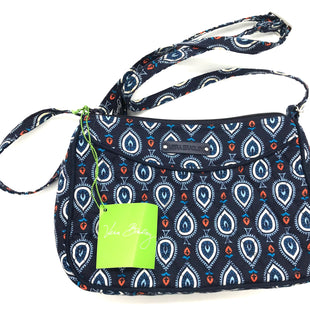 "Primary Photo - BRAND: VERA BRADLEY STYLE: HANDBAG COLOR: BLUE WHITE SIZE: SMALL SKU: 262-26211-141838APPROX. 8""L X 6""H X 2.25""D"