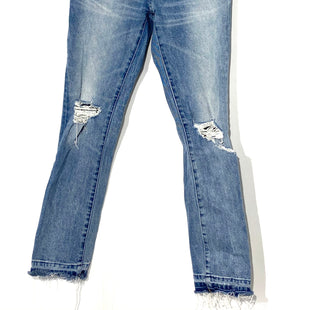 Primary Photo - BRAND: DL1961 STYLE: JEANS COLOR: DENIM SIZE: 2 /24SKU: 262-26275-67270DISTRESSED STYLE AS IS
