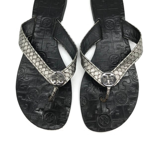 Primary Photo - BRAND: TORY BURCH STYLE: SANDALS FLAT COLOR: METALLIC SIZE: 8 OTHER INFO: WEAR SHOWS SKU: 262-262101-1245DESIGNER BRAND - FINAL SALE