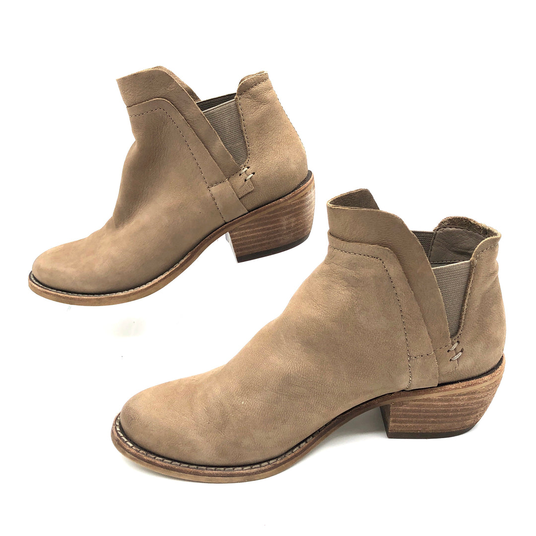 Photo #2 - BRAND: DOLCE VITA <BR>STYLE: BOOTS ANKLE <BR>COLOR: TAN <BR>SIZE: 6.5 <BR>SKU: 262-26275-75273<BR><BR>FIRST PHOTO IS MOST COLOR ACCURATE, OTHERS MAY APPEAR A BIT LIGHTER THAN TRUE COLOR.