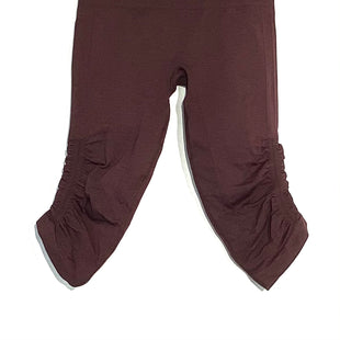 Primary Photo - BRAND: LULULEMON STYLE: ATHLETIC CAPRIS COLOR: MAROON SIZE: 4 SKU: 262-26275-66951DESIGNER FINAL