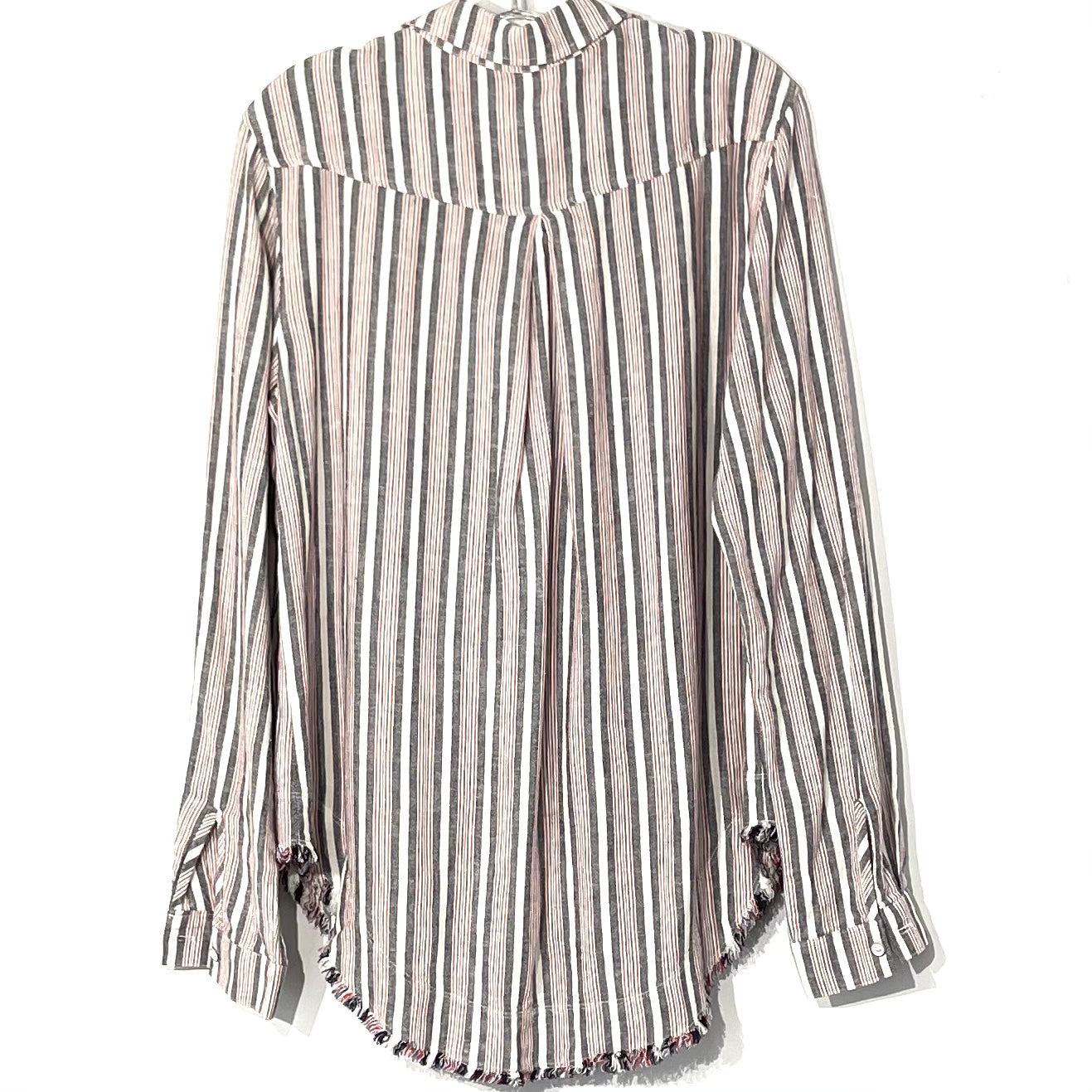 Photo #1 - BRAND: CLOTH AND STONE <BR>STYLE: TOP LONG SLEEVE <BR>COLOR: STRIPED <BR>SIZE: M <BR>SKU: 262-26211-141978