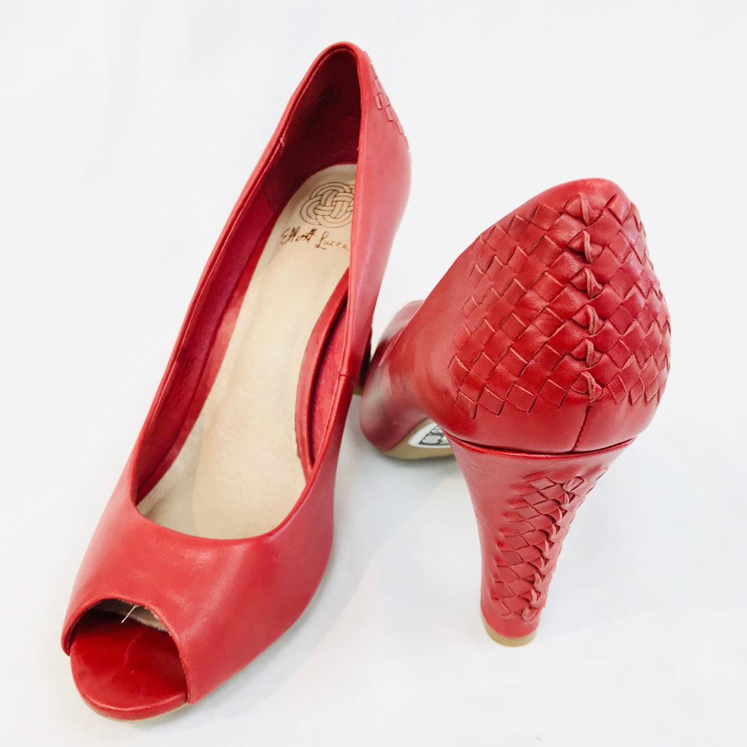 Photo #1 - BRAND: ELLIOT LUCCA <BR>STYLE: SHOES HIGH HEELS<BR>COLOR: RED <BR>SIZE: 8.5 <BR>SKU: 262-26275-43576<BR>- AS IS -