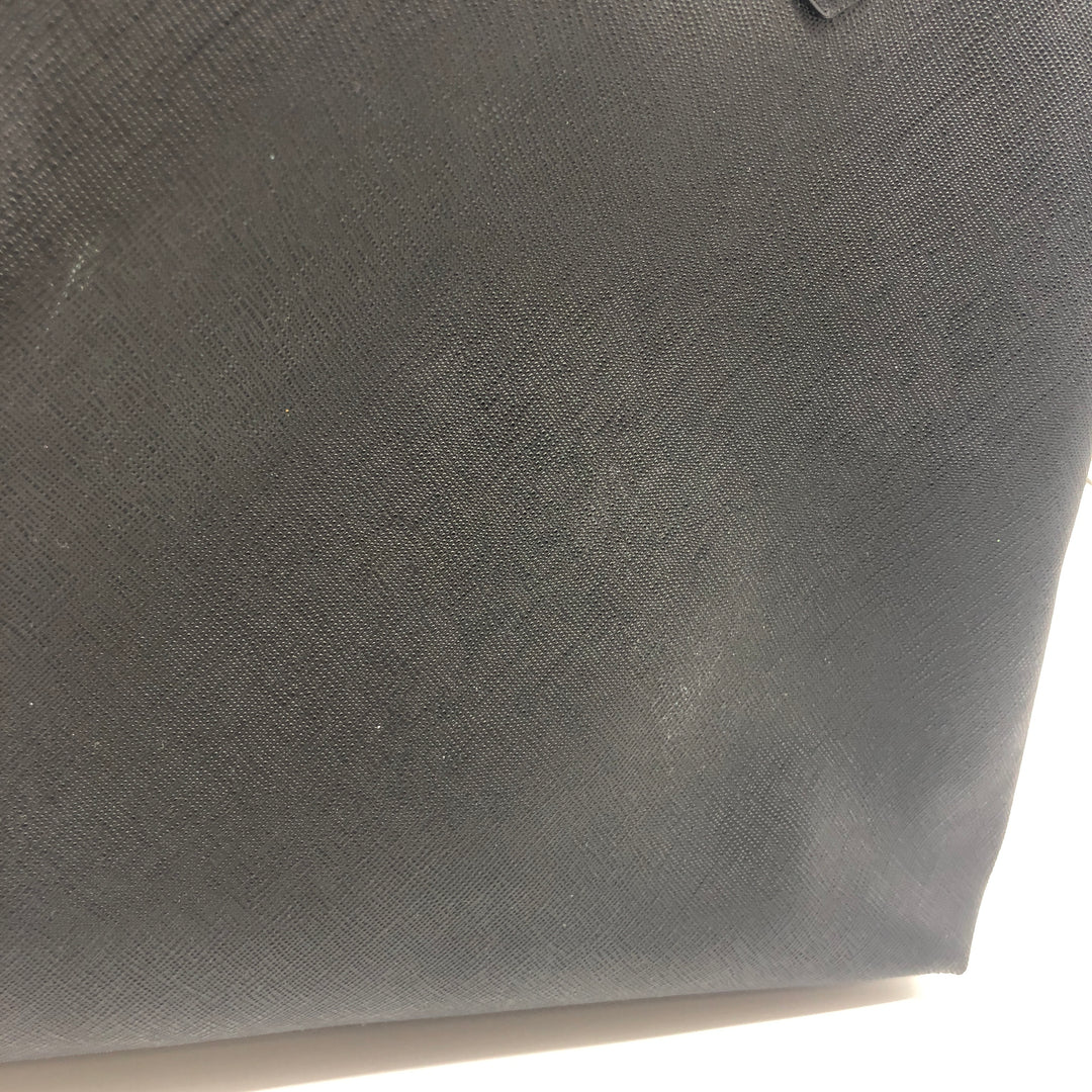 "Photo #3 - BRAND: MICHAEL KORS <BR>STYLE: HANDBAG REVERSIBLE <BR>COLOR: BLACK  GREY <BR>SIZE: MEDIUM <BR>SKU: 262-26275-75789<BR>AS IS WEAR ON CORNERS , SLIGHT MARKS, SPOTS ON GREY SIDE <BR>APPROX 10""X11""X6.5"""