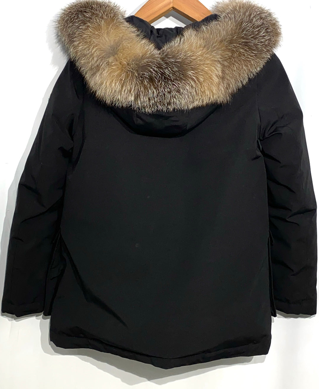 "Photo #1 - <P>BRAND: MONCLER<BR>STYLE: COAT<BR>COLOR: BLACK <BR>SIZE: 2/M<BR>OTHER INFO: MONCLER - <BR>SKU: 262-26275-64992<BR><BR>DESIGNER FINAL <BR>GREAT CONDITION SLIGHTEST FADE ON POCKET CORNERS (SEE PICS)<BR>PIT TO HEM 20""</P> <P>THIS FITS LIKE SIZE 10</P>"