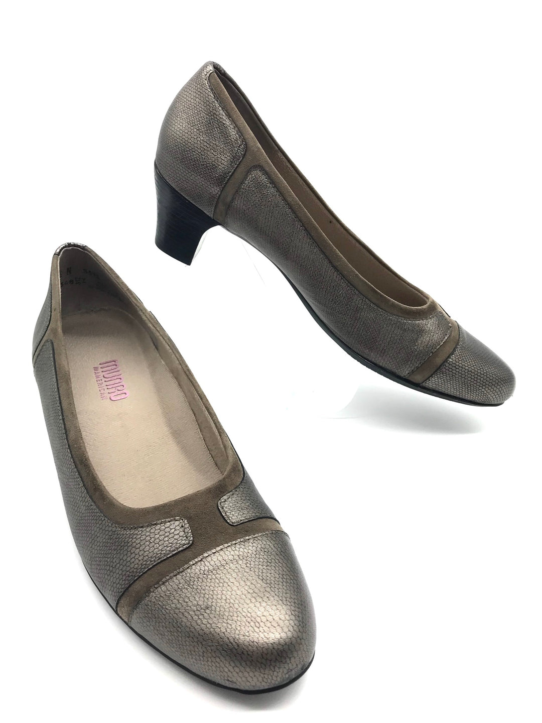 Primary Photo - BRAND:  MUNRO AMERICAN<BR>STYLE: JILLIAN LOW HEELS<BR>COLOR: TAUPE SUEDE<BR>SIZE: 9.5 <BR>SKU: 262-26275-68796<BR>IN EXCELLENT CONDITION