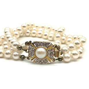 Primary Photo - BRAND: NO BRANDSTYLE: FAUX PEARL BRACELET SKU: 262-26241-43412AS IS