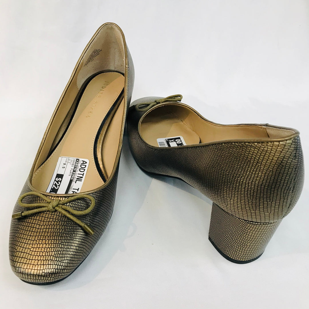 Photo #1 - BRAND: JUDITH RIPKA <BR>STYLE: LOW HEEL<BR>COLOR: GOLD <BR>SIZE: 9.5M<BR>SKU: 262-26275-53182<BR>AS IS