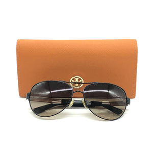 Primary Photo - BRAND: TORY BURCH STYLE: SUNGLASSES COLOR: BLACK SKU: 262-262101-2193GENTLE SCRATCHES ON THE EDGES OF INTERIOR LENS FILM • OVERALL IN GOOD SHAPE •