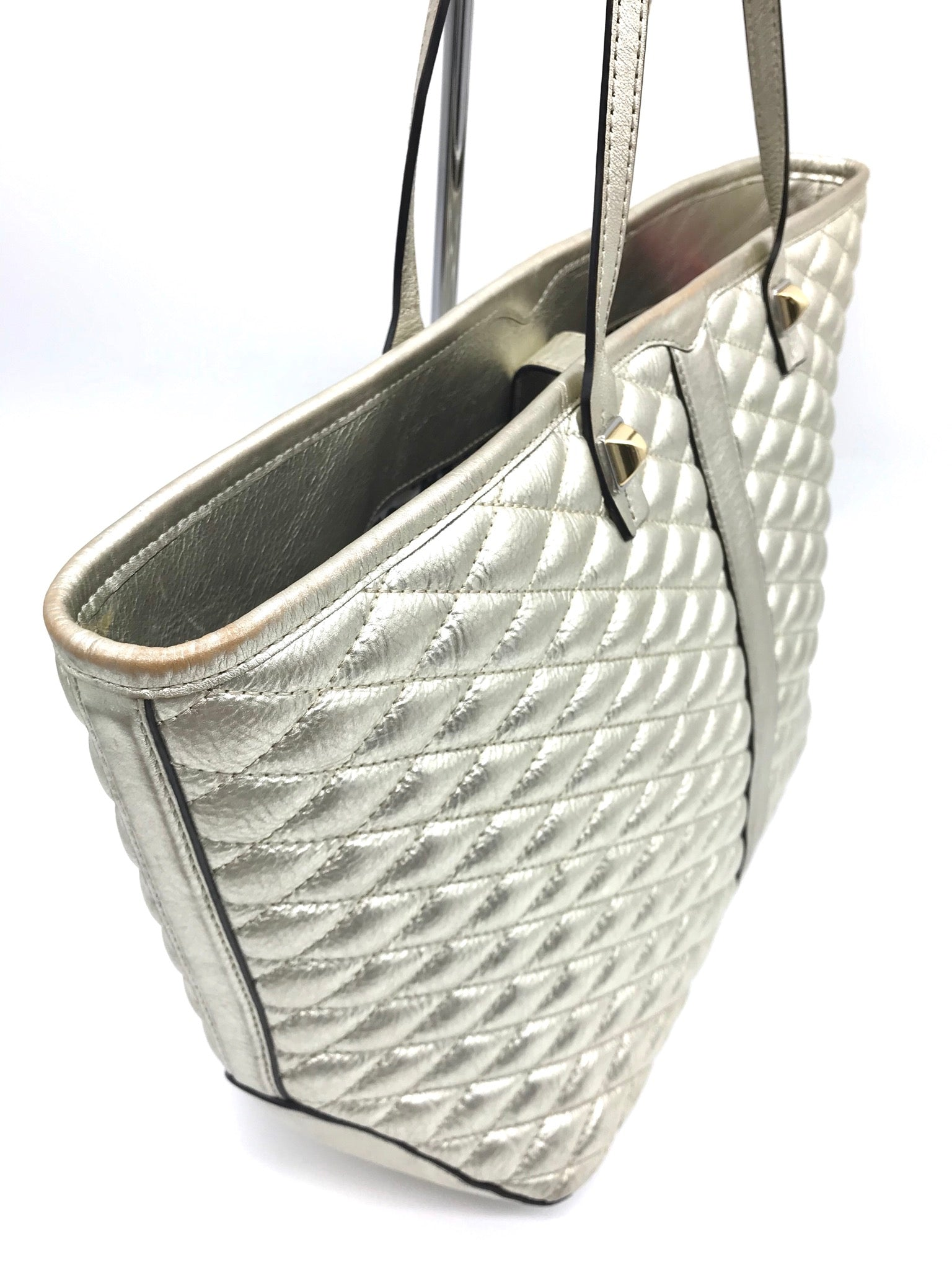 "Photo #1 - BRAND: REBECCA MINKOFF <BR>STYLE: HANDBAG DESIGNER <BR>COLOR: GOLD <BR>SIZE: MEDIUM 11.5""H X 18.75""L X 6""W<BR>HANDLE DROP: 8.5""<BR>SKU: 262-26241-40509<BR>GENTLE WEARS AROUND PIPINGS, CORNERS AND LOWER PART - AS IS"