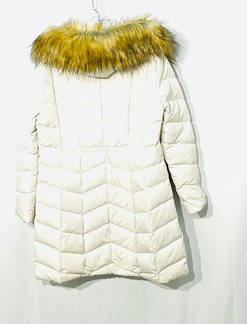 Photo #1 - BRAND: IVANKA TRUMP <BR>STYLE: COAT<BR>COLOR: OFF WHITE<BR>SIZE: L <BR>SKU: 262-26241-43836<BR>100% FEATHER AND DOWN FILLING <BR>NEW WITHOUT TAG<BR>DESIGNER FINAL