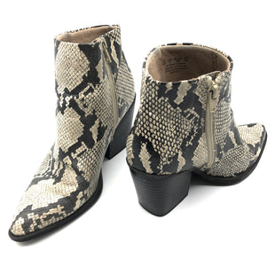 Primary Photo - BRAND: NATURALIZER STYLE: BOOTS ANKLE COLOR: SNAKESKIN PRINT SIZE: 6 SKU: 262-26275-78192SOME SLIGHT SIGNS OF WEAR