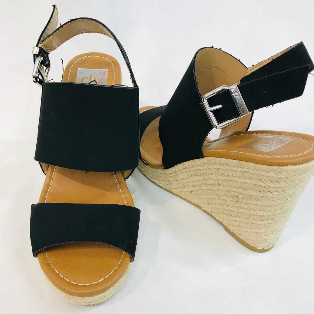 Photo #1 - <P>BRAND: DOLCE VITA <BR>STYLE: SANDALS LOW PLATFORM<BR>COLOR: BLACK <BR>SIZE: 8.5 <BR>SKU: 262-26241-33785</P> <P>- AS IS - </P>