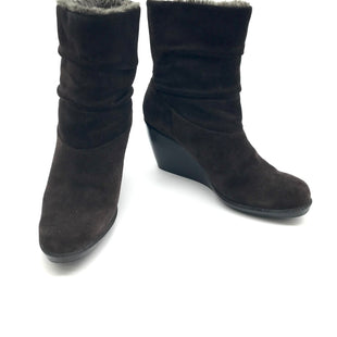 Primary Photo - BRAND: CALVIN KLEIN STYLE: BOOTS ANKLE COLOR: BROWN SIZE: 8.5 SKU: 262-26241-42549AS IS SCUFF MARKS ALONG BOTTOM OF SHOES, SOME SPOTS AND WEAR ON FABRIC (NOT ALL ABLE TO BE SEEN IN PHOTOS)
